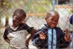 Fotografierfreudige Kinder während der Schulpause,Windhuk,